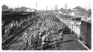 Allied troops at Poperinghhe September 1917  https://oorlogskantschool.wordpress.com/vluchtroutes/