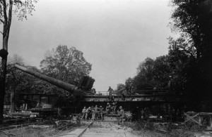 The rail mounted 38 cm SK L/45 known as the Langer Max high velocity cannon.