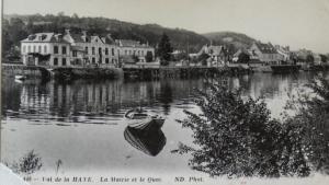 Boat trip destination Val de la Haye on the Seine.